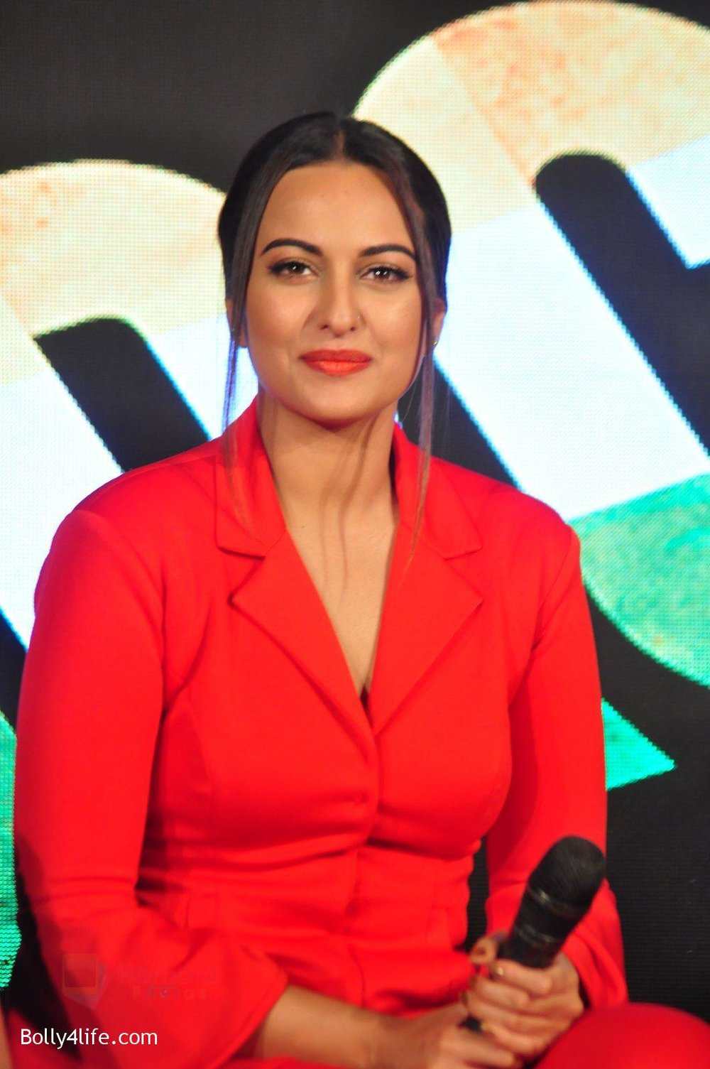 Sonakshi-Sinha-at-Force-2-press-meet-on-21st-Oct-2016-87.jpg
