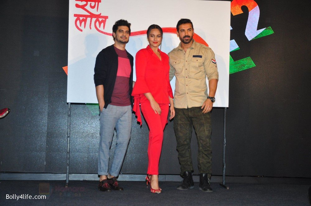Tahir-Bhasin-Sonakshi-Sinha-John-Abraham-at-Force-2-press-meet-on-21st-Oct-2016-56.jpg