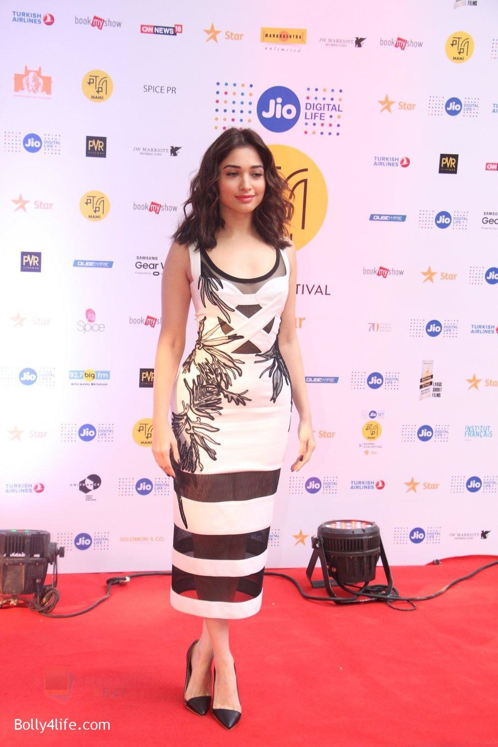 Tamannaah-Bhatia-at-MAMI-Film-Festival-2016-Day-2-on-22nd-Oct-2016-49.jpg
