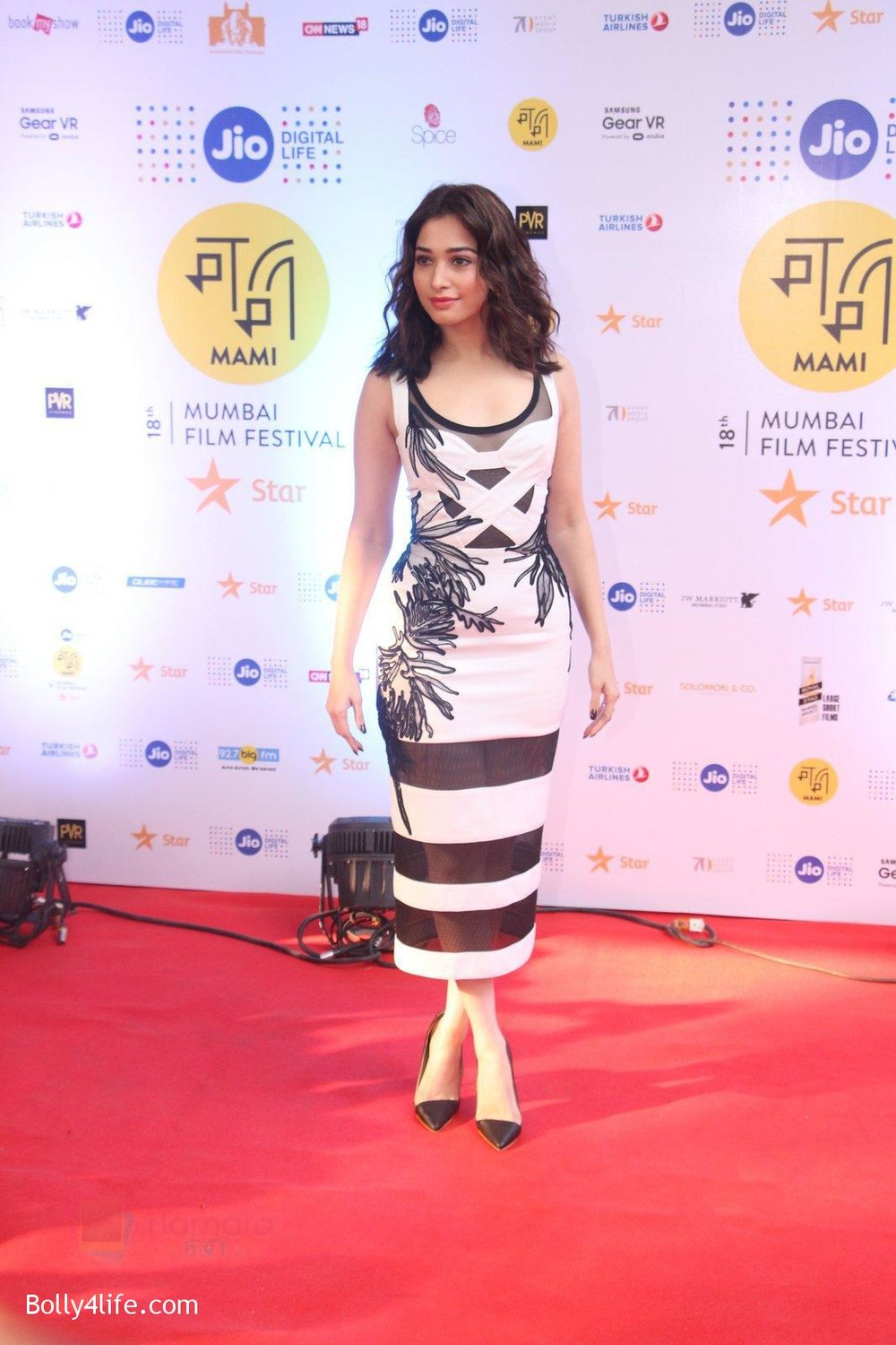 Tamannaah-Bhatia-at-MAMI-Film-Festival-2016-Day-2-on-22nd-Oct-2016-55.jpg