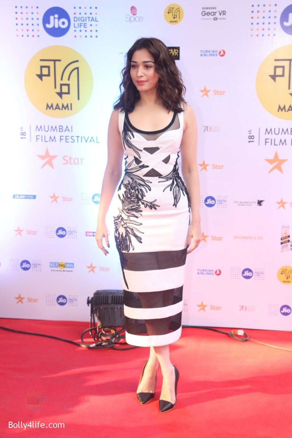 Tamannaah-Bhatia-at-MAMI-Film-Festival-2016-Day-2-on-22nd-Oct-2016-63.jpg