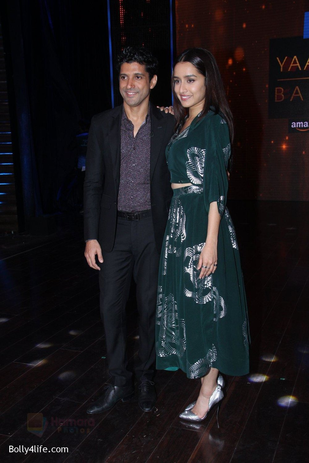 Shraddha-Kapoor-and-Farhan-Akhtar-promote-Rock-On-2-on-the-sets-of-Yaaron-Ki-Baraat-Show-on-Zee-Tv-on-23rd-Oct-2016-68.jpg