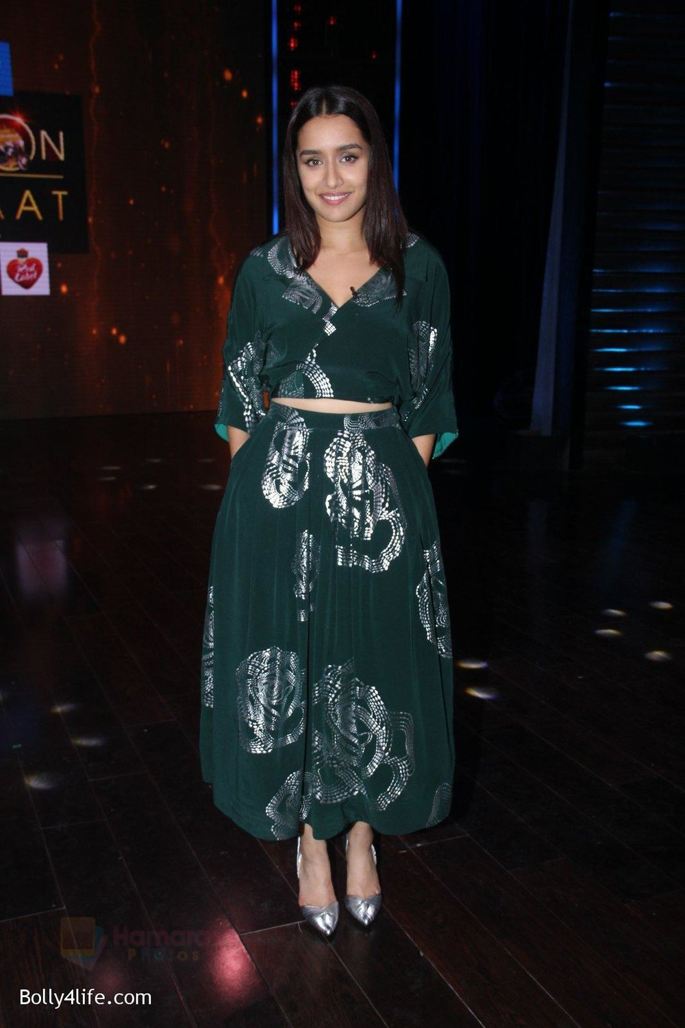 Shraddha-Kapoor-promote-Rock-On-2-on-the-sets-of-Yaaron-Ki-Baraat-Show-on-Zee-Tv-on-23rd-Oct-2016-54.jpg