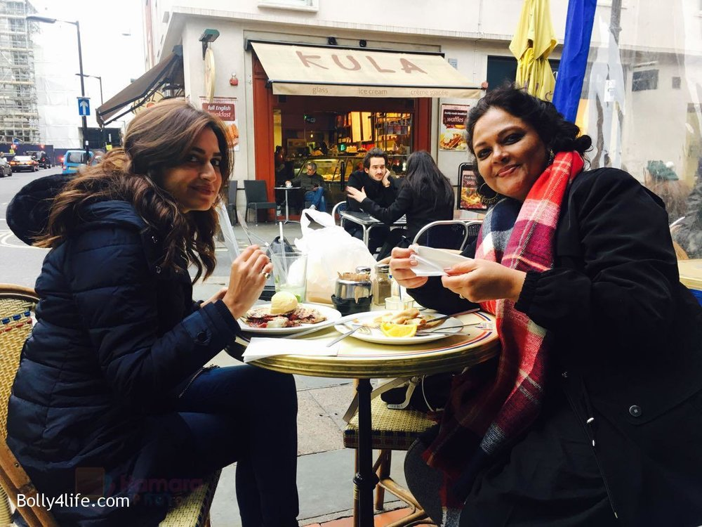 Kriti-Kharbanda-spotted-in-London-while-shooting-for-Atithii-in-London-on-26th-Oct-2016-3.jpg