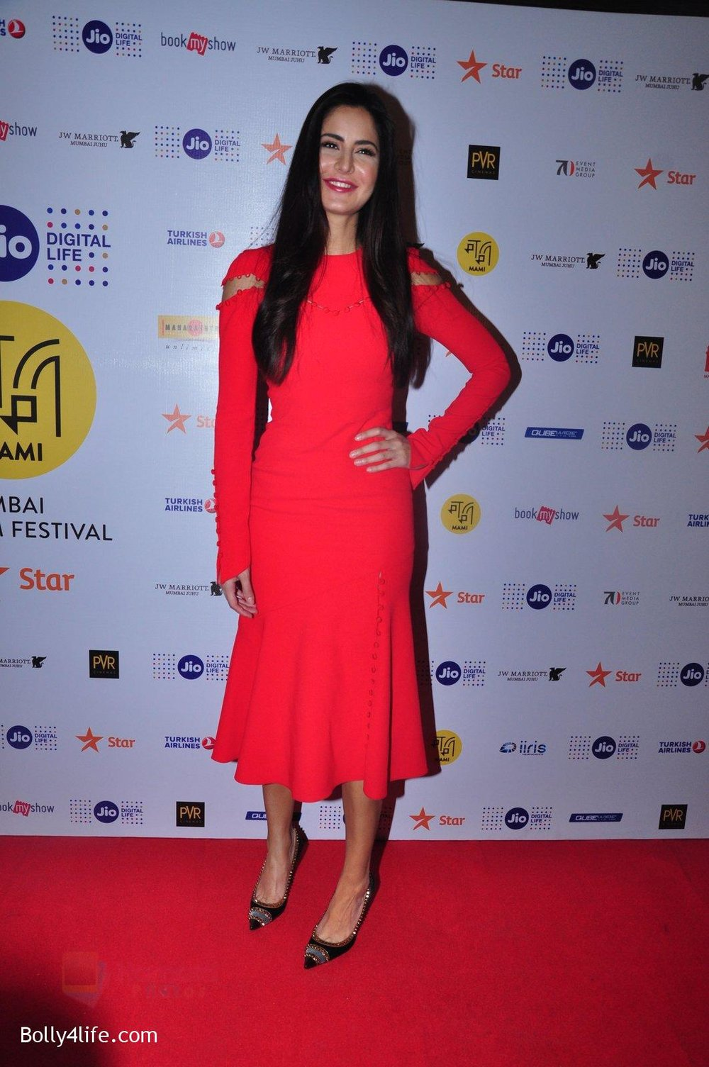 Katrina-Kaif-grace-a-discussion-at-the-MAMI-18th-Mumbai-Film-Festival-2016-on-27th-Oct-2016-34.jpg