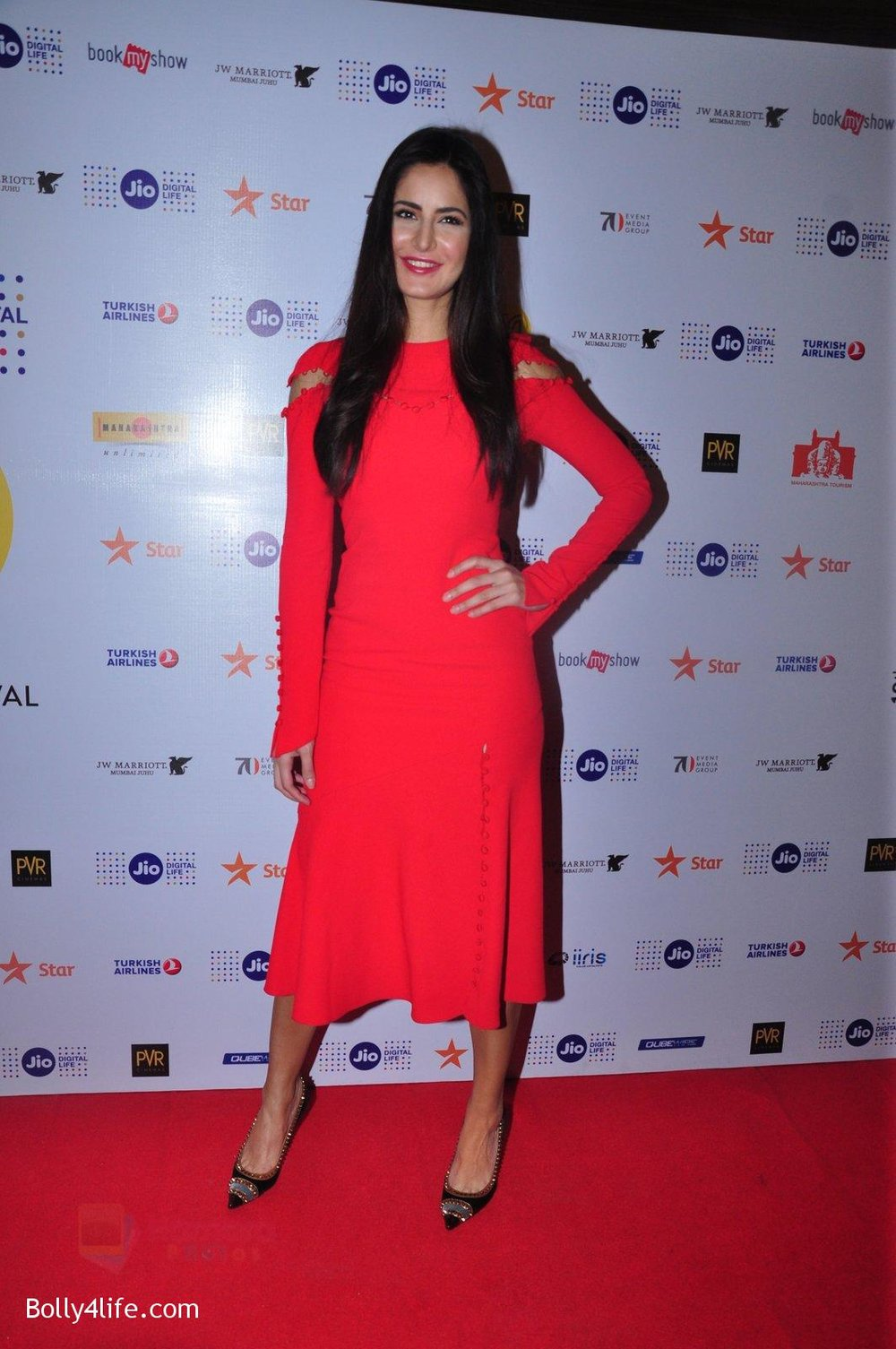 Katrina-Kaif-grace-a-discussion-at-the-MAMI-18th-Mumbai-Film-Festival-2016-on-27th-Oct-2016-35.jpg