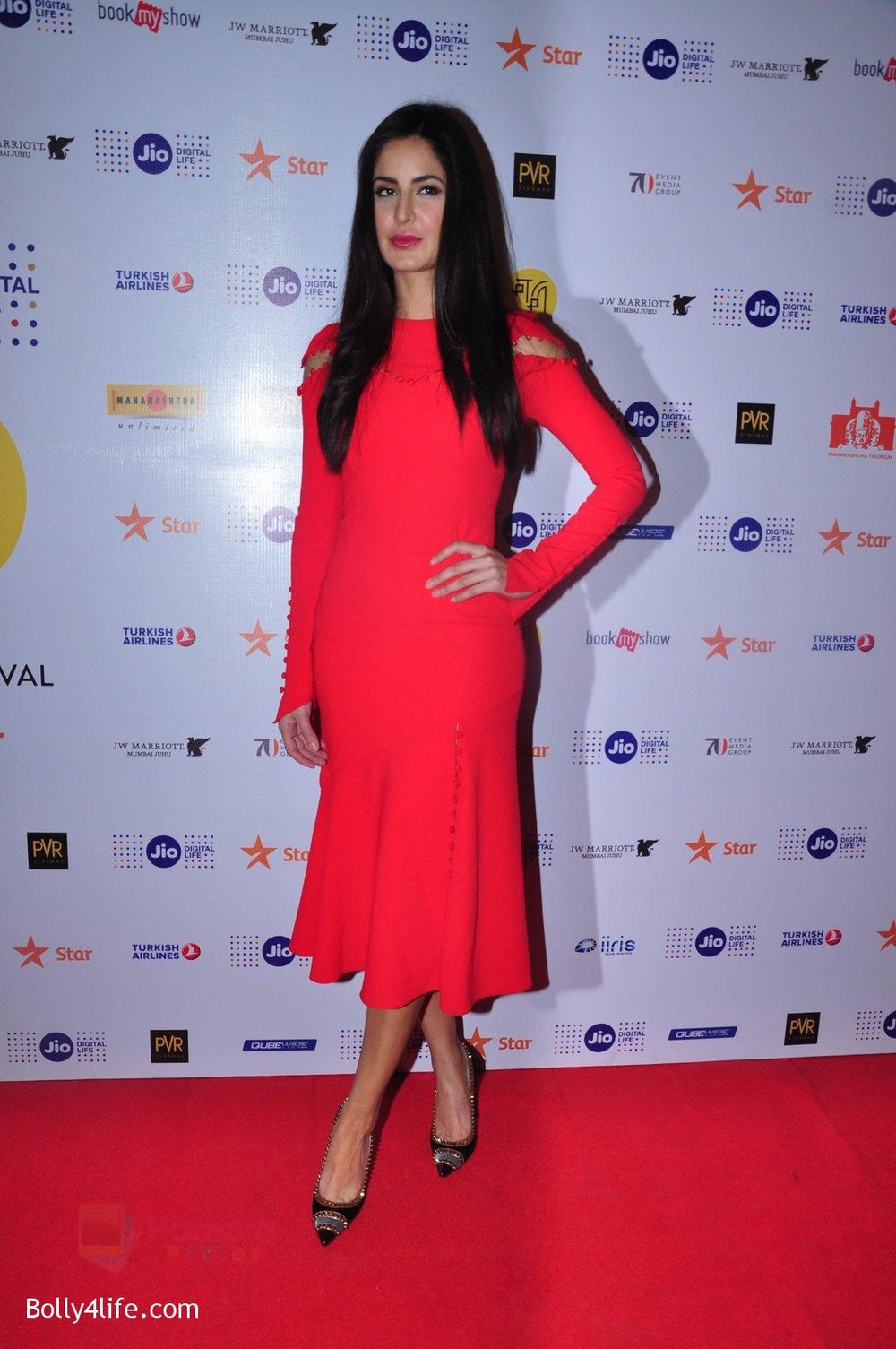 Katrina-Kaif-grace-a-discussion-at-the-MAMI-18th-Mumbai-Film-Festival-2016-on-27th-Oct-2016-37.jpg
