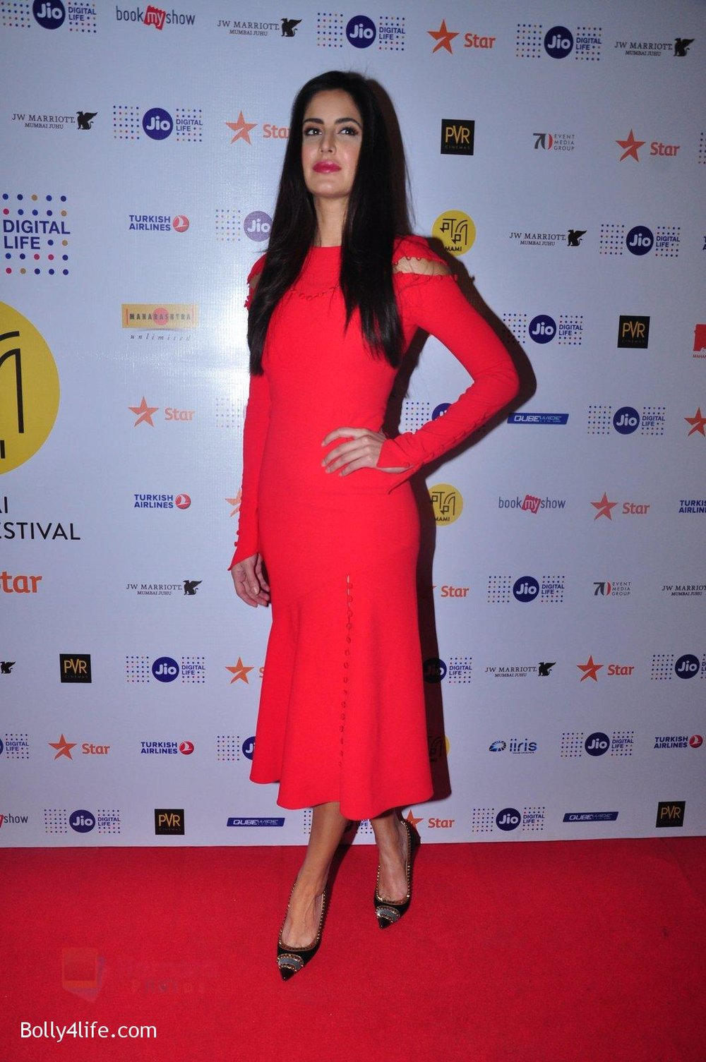 Katrina-Kaif-grace-a-discussion-at-the-MAMI-18th-Mumbai-Film-Festival-2016-on-27th-Oct-2016-38.jpg