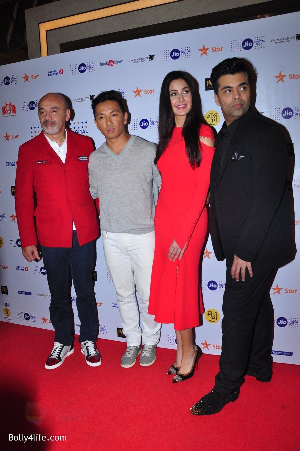 Katrina-Kaif-Karan-Johar-grace-a-discussion-at-the-MAMI-18th-Mumbai-Film-Festival-2016-on-27th-Oct-2016-11.jpg