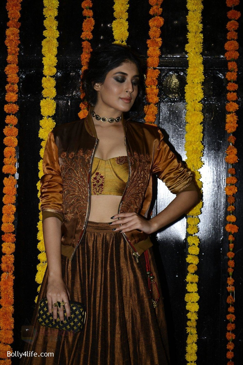 Kritika-Kamra-at-Ekta-Kapoor_s-Diwali-bash-on-29th-Oct-2016-53_.jpg