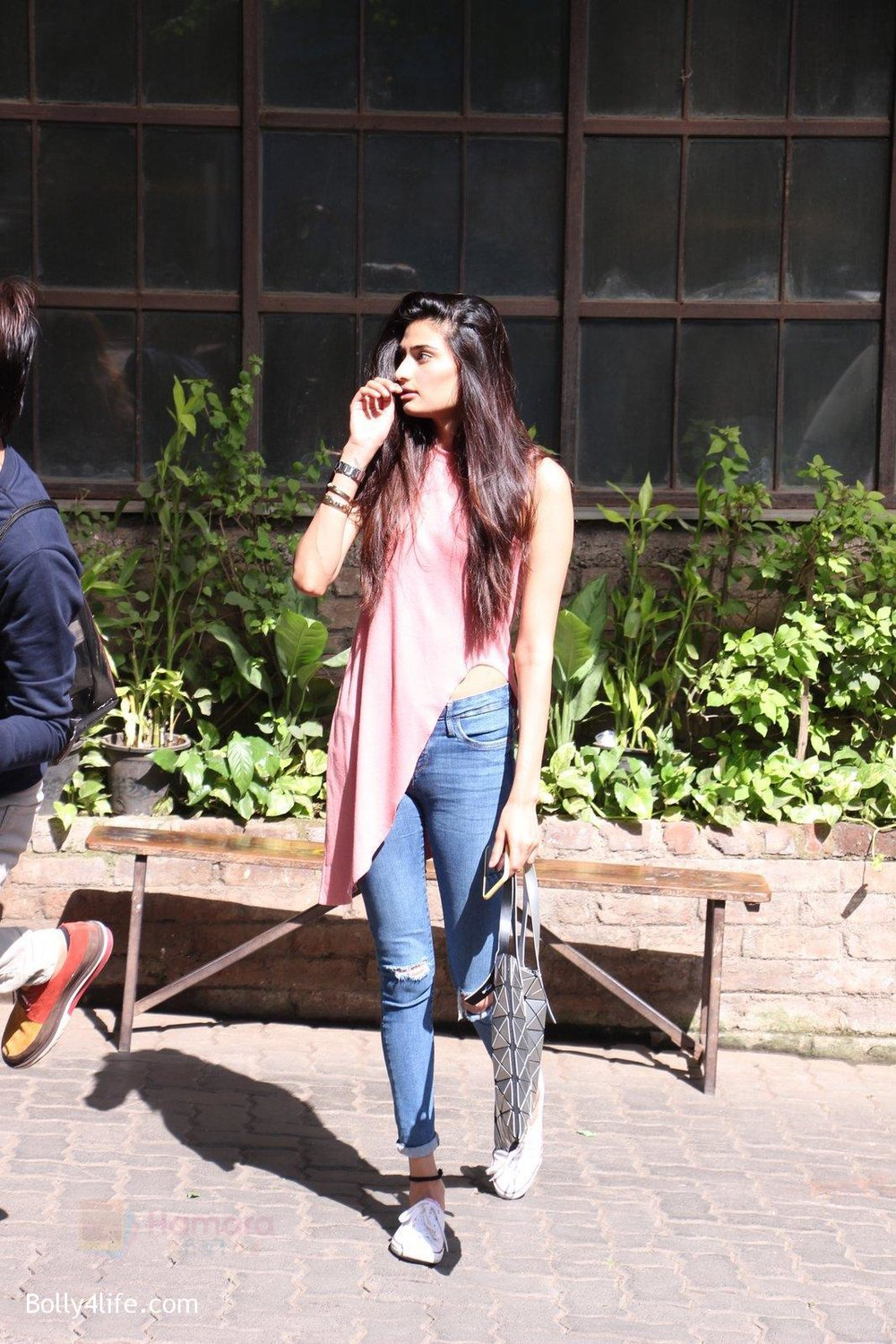 Athiya-Shetty-snapped-in-Mumbai-on-31st-Oct-2016-1.jpg