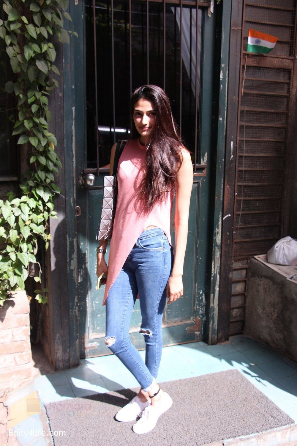 Athiya-Shetty-snapped-in-Mumbai-on-31st-Oct-2016-5.jpg