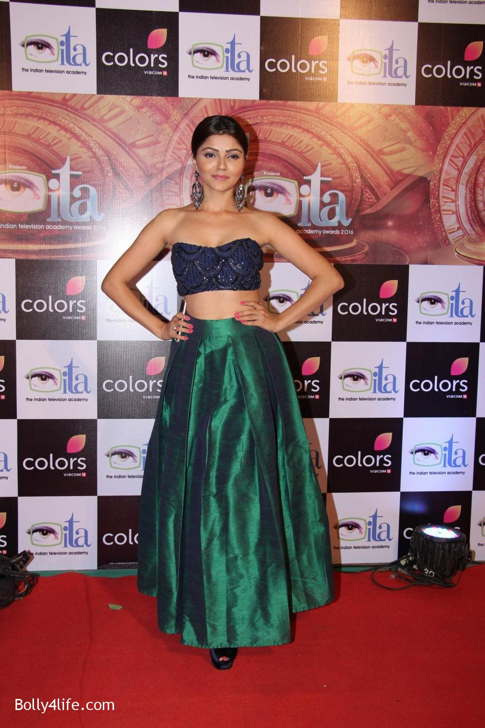 16th-Indian-Television-Academy-Awards-2016-4.jpg