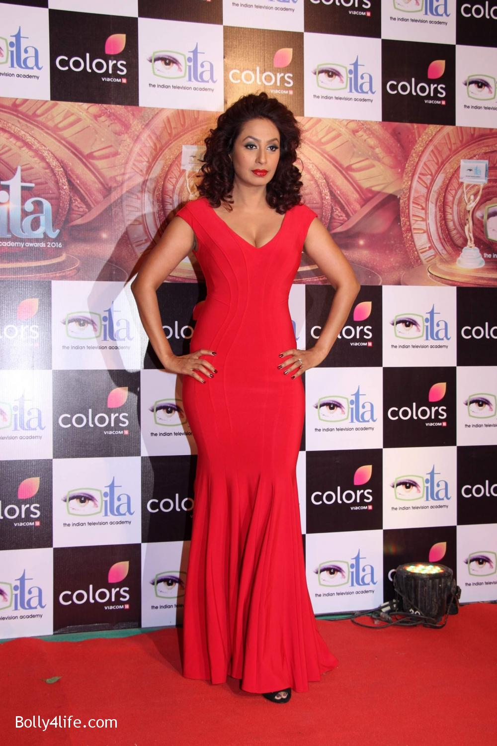 16th-Indian-Television-Academy-Awards-2016-10.jpg