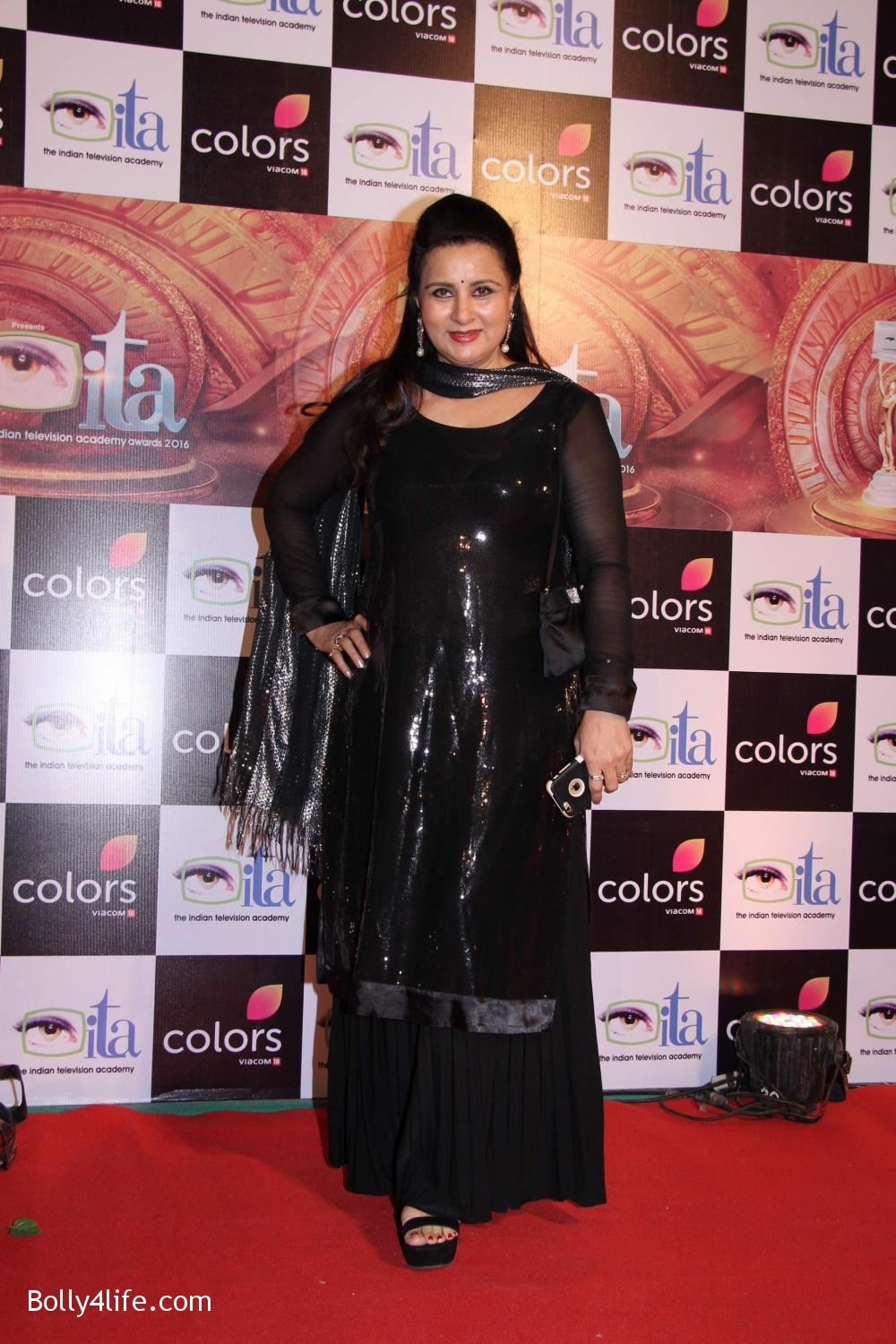 16th-Indian-Television-Academy-Awards-2016-12.jpg