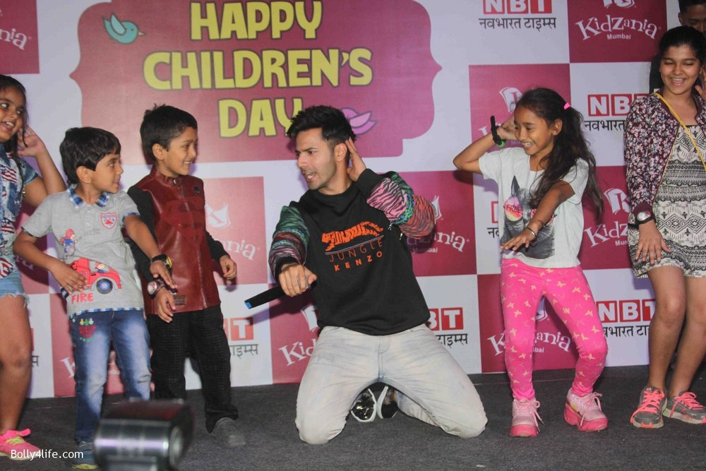 Varun-Dhawan-celebrates-Childrens-Day-at-KidZania-3.jpg