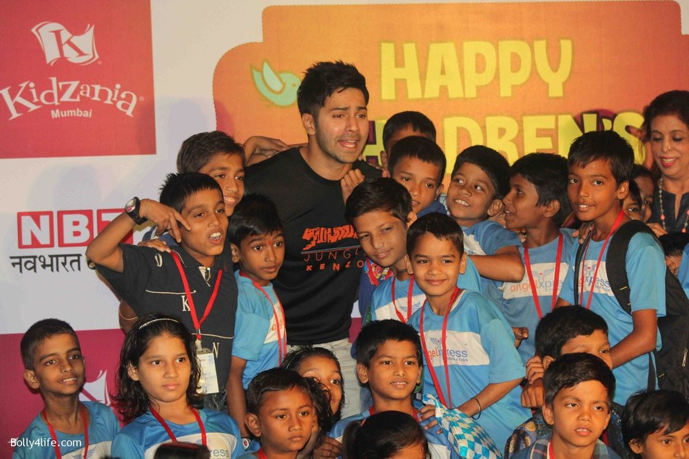 Varun-Dhawan-celebrates-Childrens-Day-at-KidZania-6.jpg