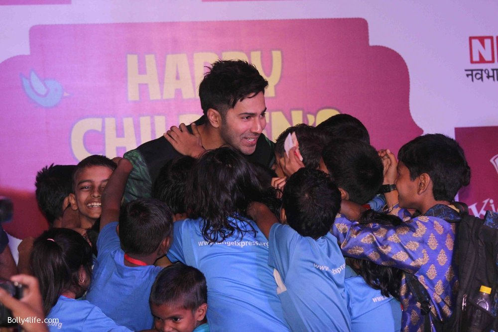 Varun-Dhawan-celebrates-Childrens-Day-at-KidZania-10.jpg