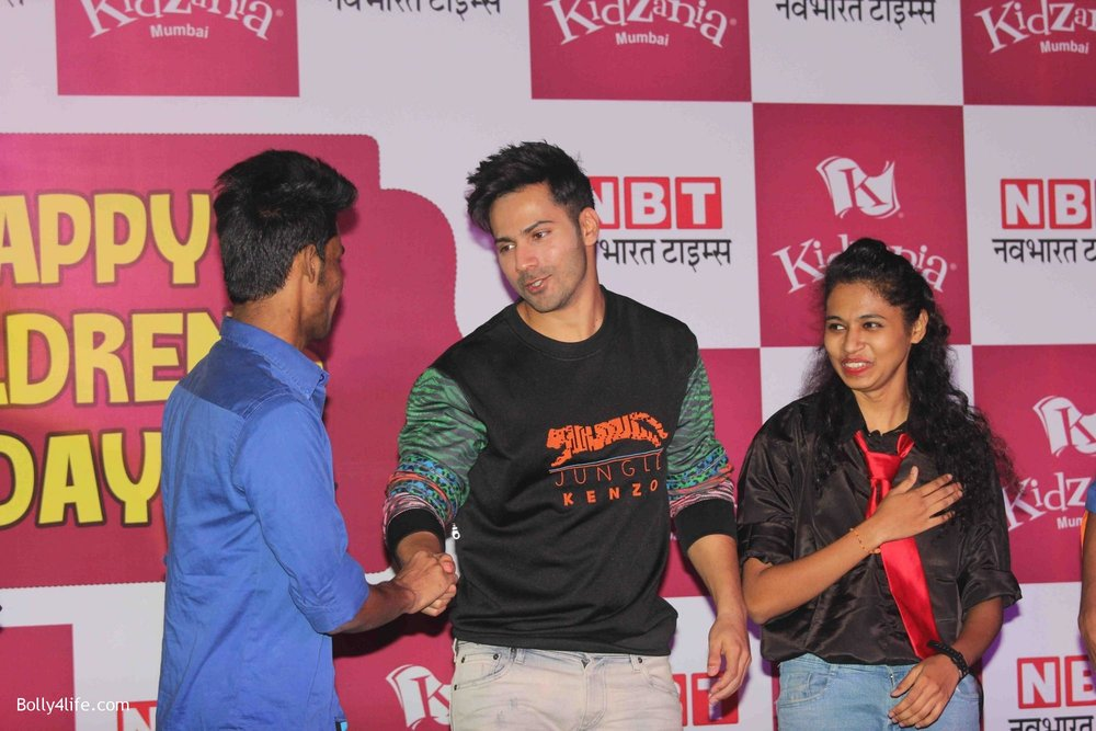 Varun-Dhawan-celebrates-Childrens-Day-at-KidZania-13.jpg