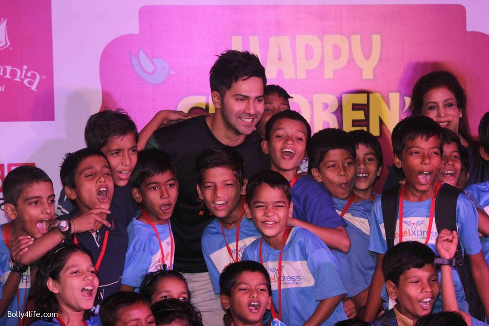 Varun-Dhawan-celebrates-Childrens-Day-at-KidZania-16.jpg