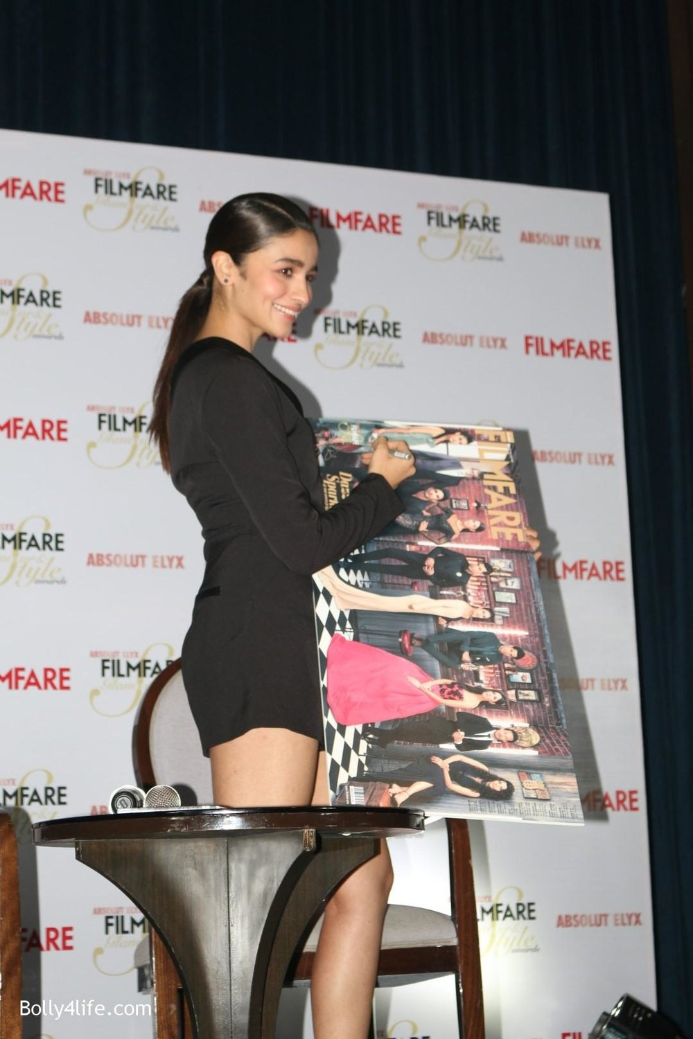 Alia-Bhatt-during-the-Absolut-Elyx-Filmfare-Glamour-and-Style-Awards-cover-launch-2.jpg