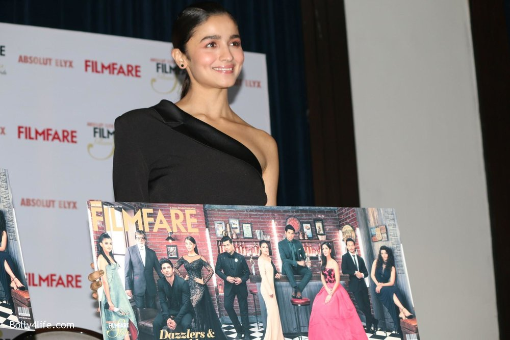 Alia-Bhatt-during-the-Absolut-Elyx-Filmfare-Glamour-and-Style-Awards-cover-launch-8.jpg