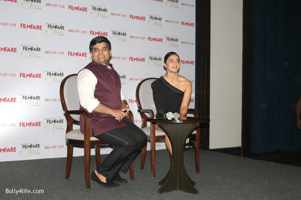Alia-Bhatt-during-the-Absolut-Elyx-Filmfare-Glamour-and-Style-Awards-cover-launch-24.jpg
