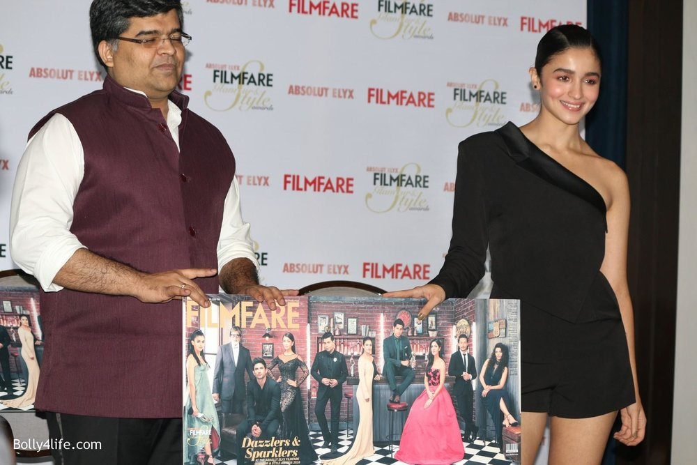 Alia-Bhatt-during-the-Absolut-Elyx-Filmfare-Glamour-and-Style-Awards-cover-launch-26.jpg
