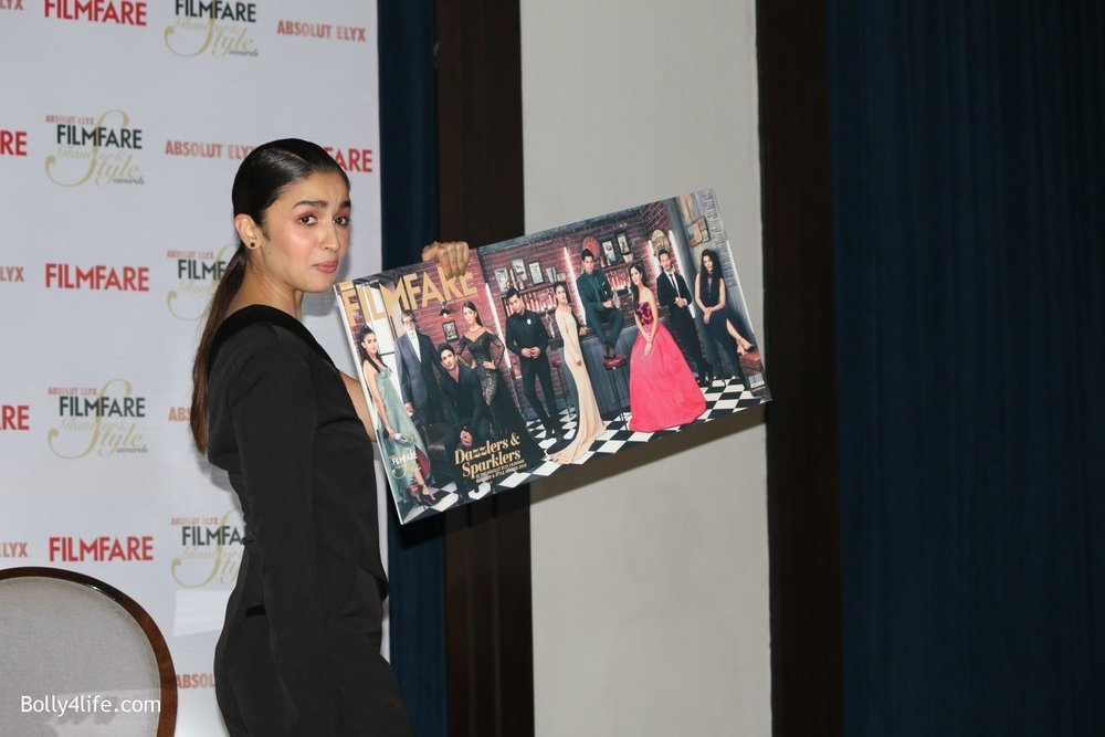 Alia-Bhatt-during-the-Absolut-Elyx-Filmfare-Glamour-and-Style-Awards-cover-launch-28.jpg