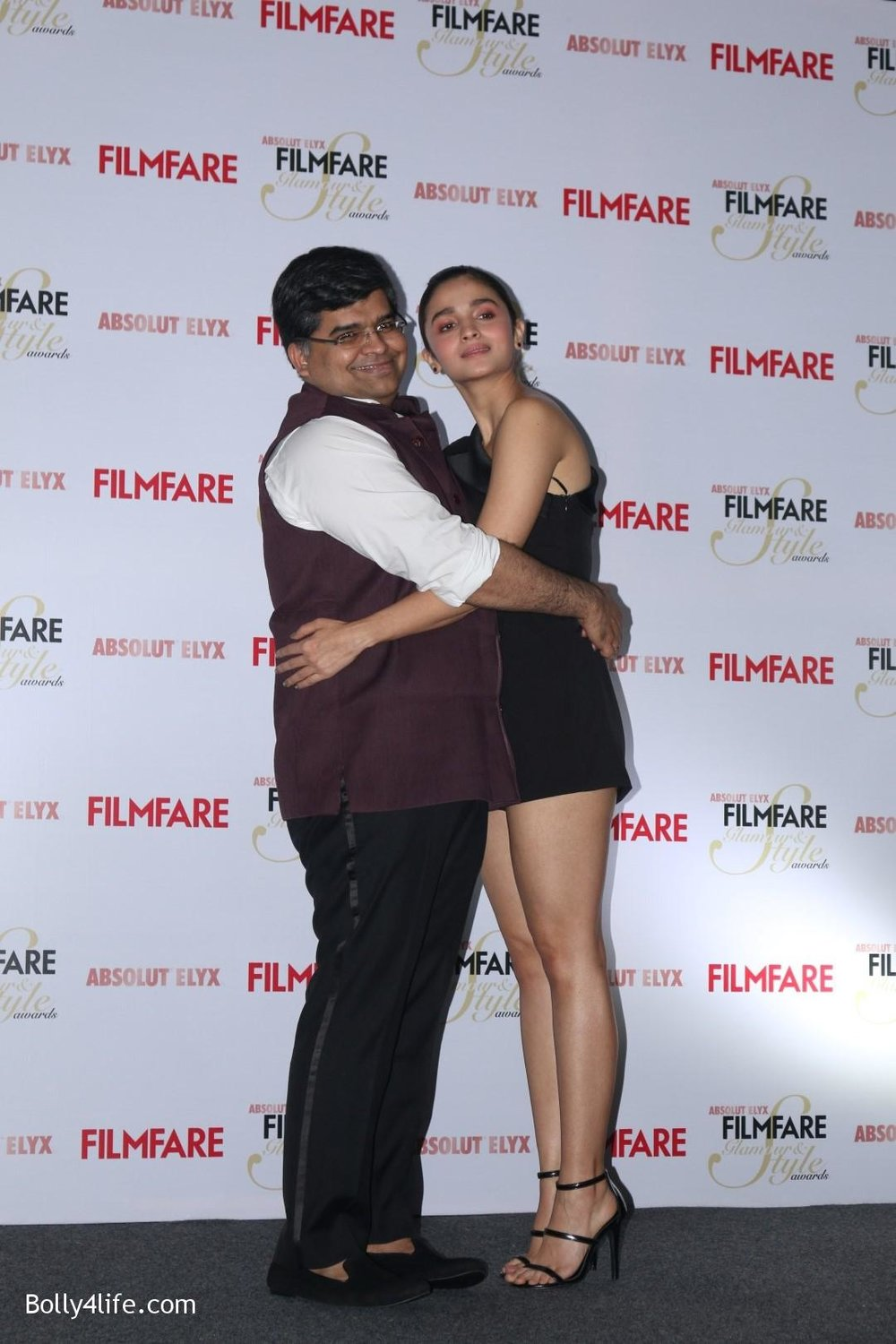 Alia-Bhatt-during-the-Absolut-Elyx-Filmfare-Glamour-and-Style-Awards-cover-launch-30.jpg