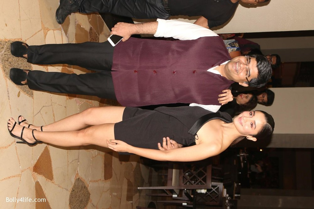 Alia-Bhatt-during-the-Absolut-Elyx-Filmfare-Glamour-and-Style-Awards-cover-launch-35.jpg