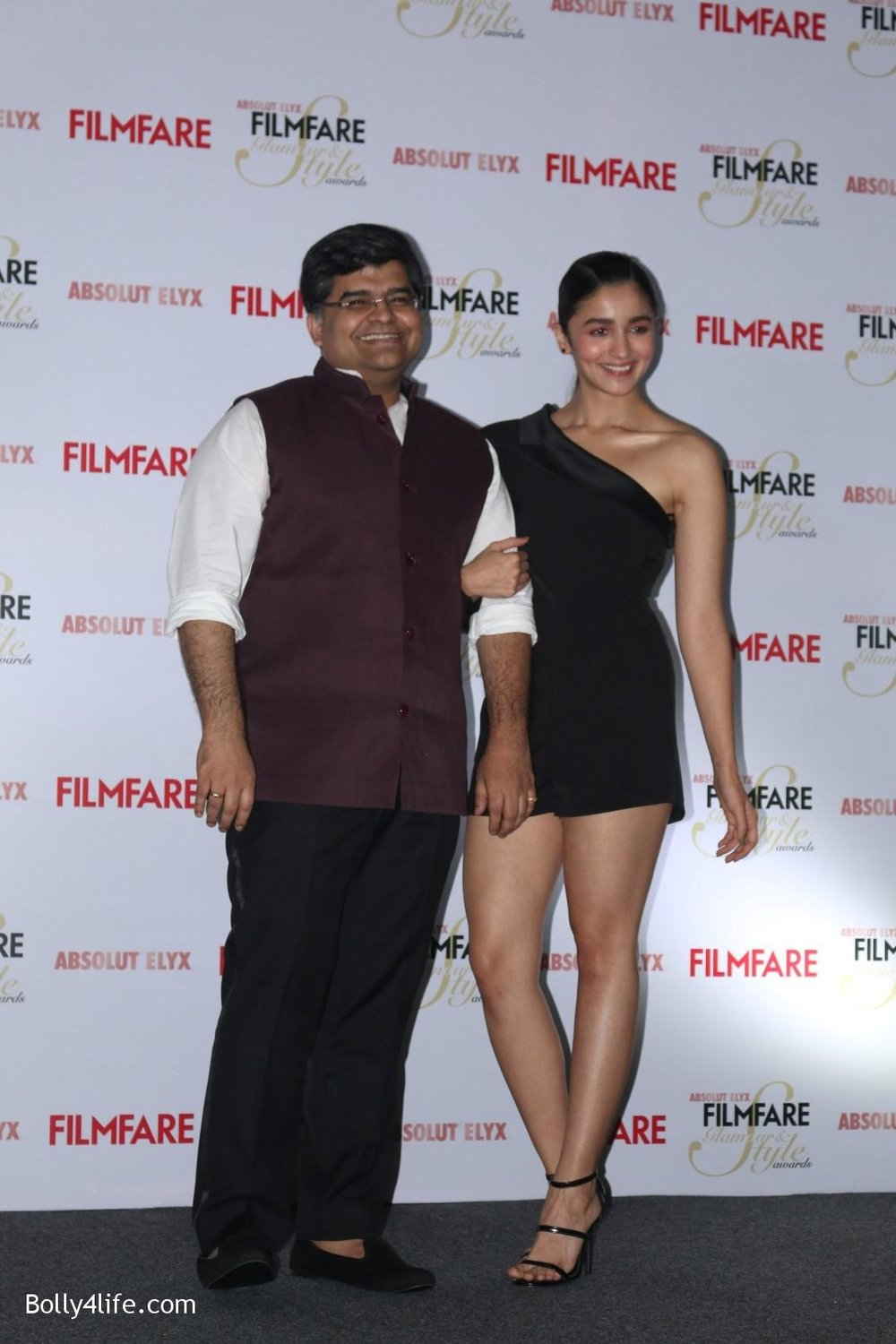 Alia-Bhatt-during-the-Absolut-Elyx-Filmfare-Glamour-and-Style-Awards-cover-launch-41.jpg