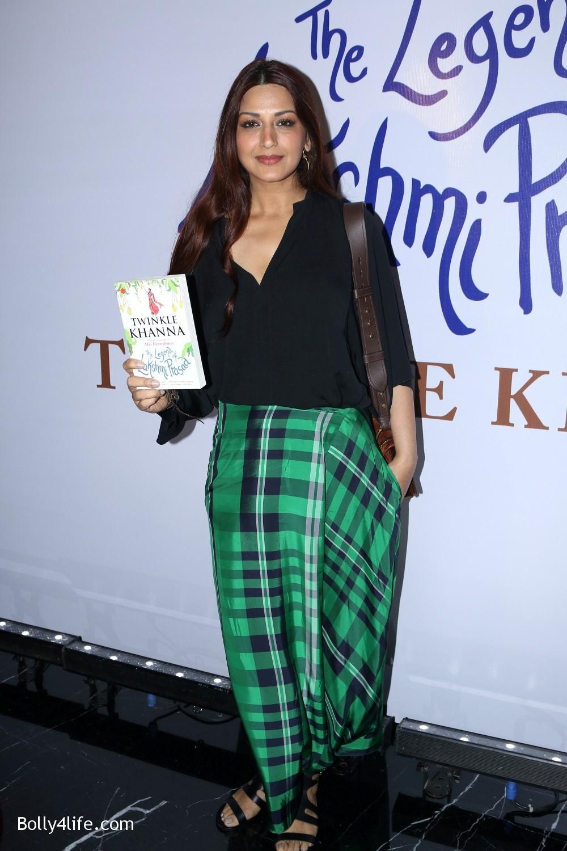 Launch-Twinkle-Khannas-book-The-Legend-of-Lakshmi-Prasad-5.jpg