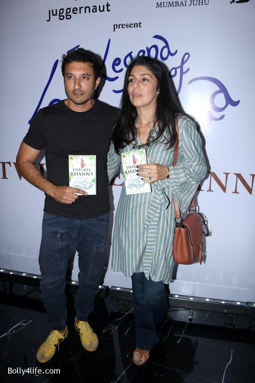 Launch-Twinkle-Khannas-book-The-Legend-of-Lakshmi-Prasad-8.jpg