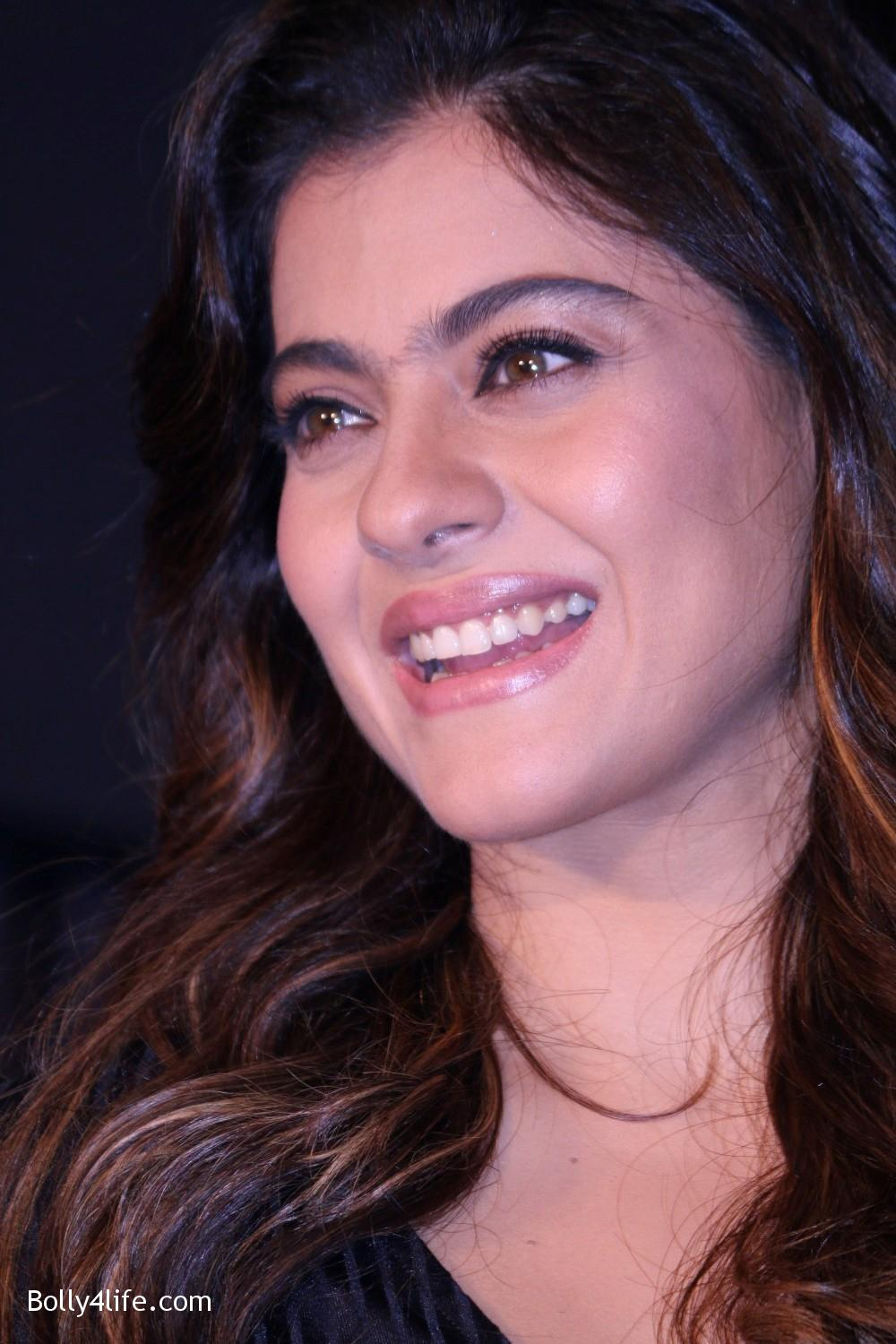 Kajol-Devgan-during-the-launch-of-Olay-Total-Effects-new-cream-3.jpg