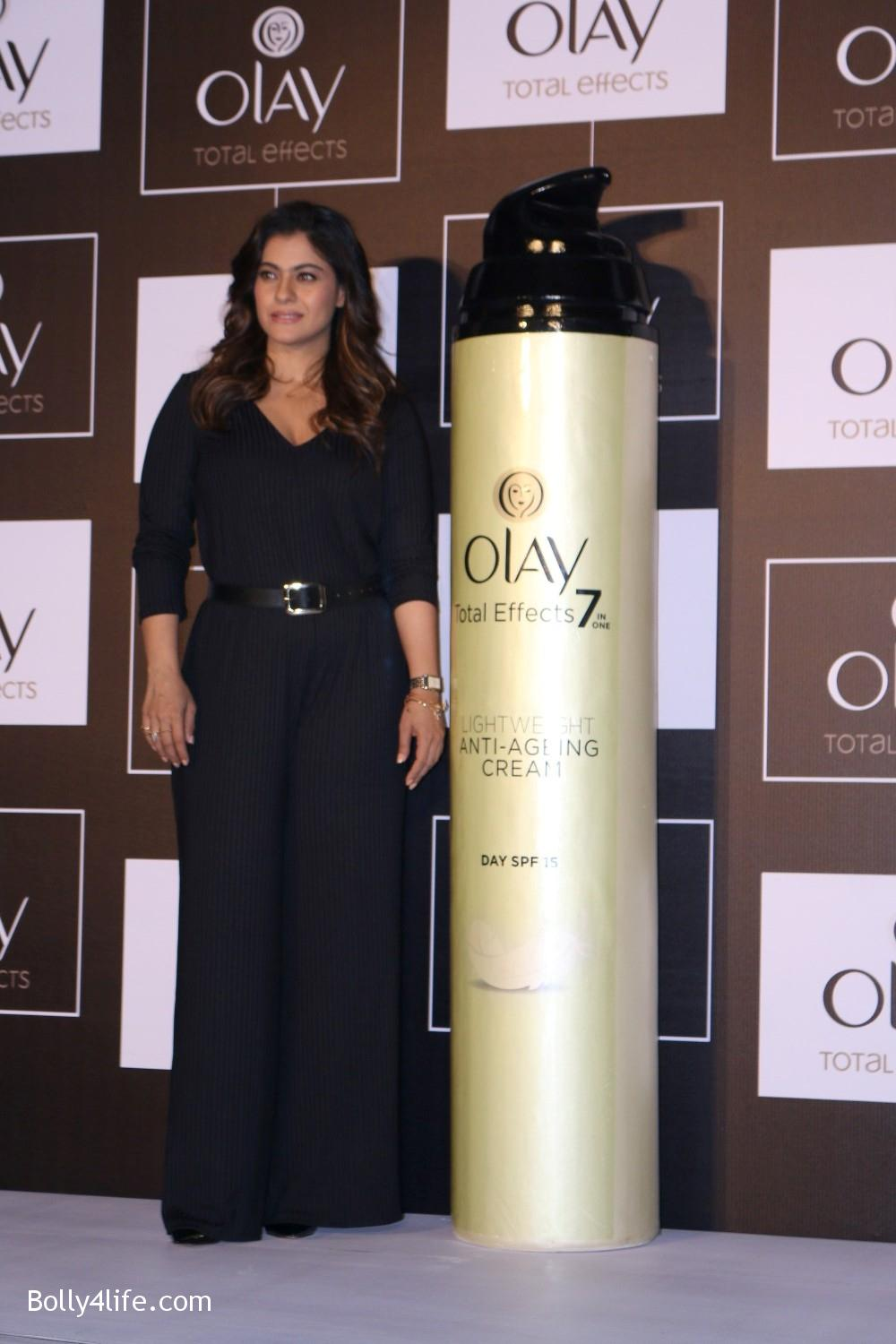 Kajol-Devgan-during-the-launch-of-Olay-Total-Effects-new-cream-13.jpg