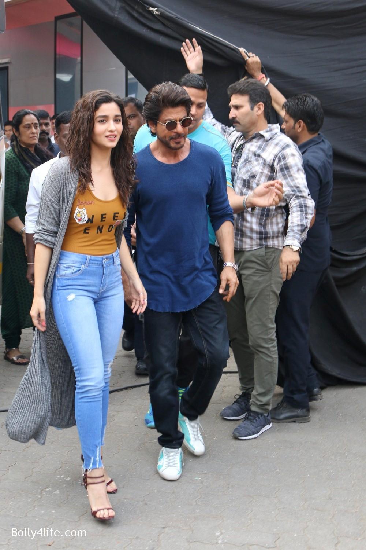 Shah-Rukh-Khan-and-Alia-Bhatt-spotted-at-Mehboob-Studio-in-Mumbai-1.jpg