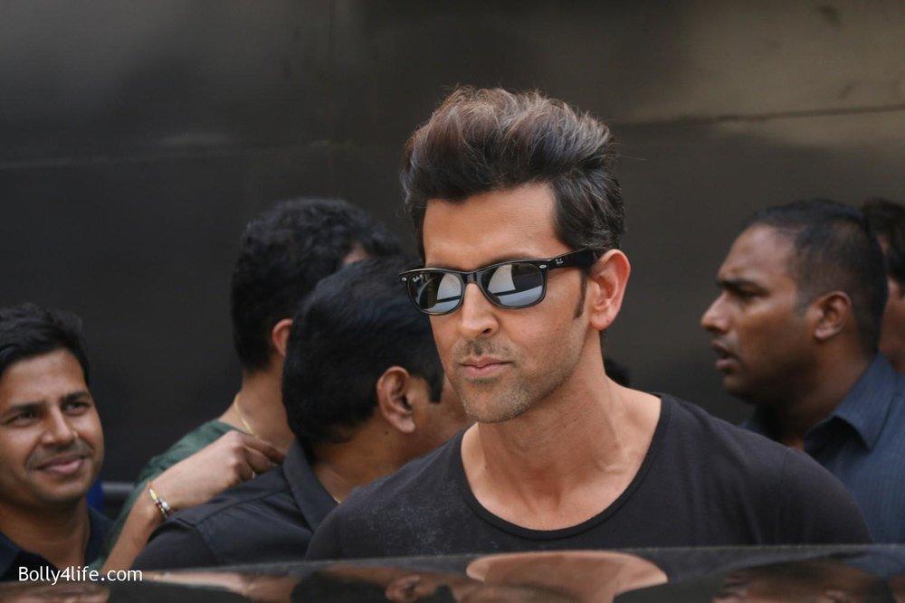 Shah-Rukh-Khan-and-Alia-Bhatt-spotted-at-Mehboob-Studio-in-Mumbai-6.jpg