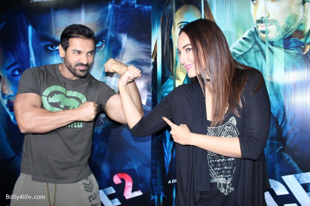 John-Abraham-and-Sonakshi-Sinha-iduring-the-press-conference-of-upcoming-film-Force-2-11.jpg