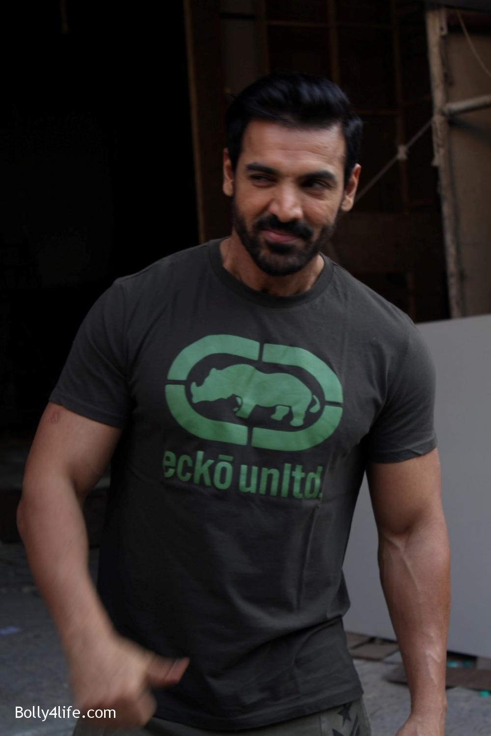 John-Abraham-and-Sonakshi-Sinha-iduring-the-press-conference-of-upcoming-film-Force-2-17.jpg