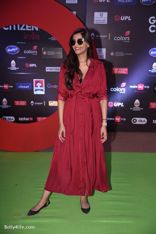 Sonam-Kapoor-at-Global-Citizen-Festival-India-2016-9.jpg