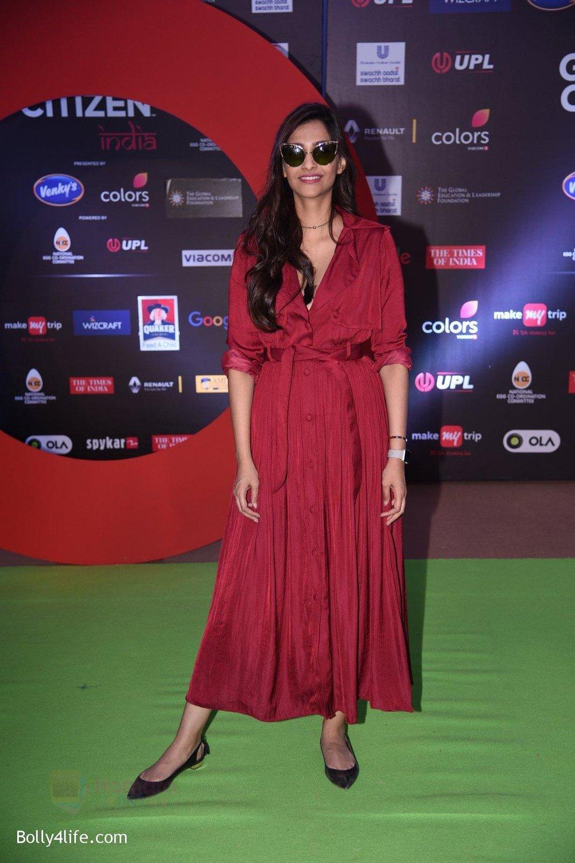Sonam-Kapoor-at-Global-Citizen-Festival-India-2016-10.jpg