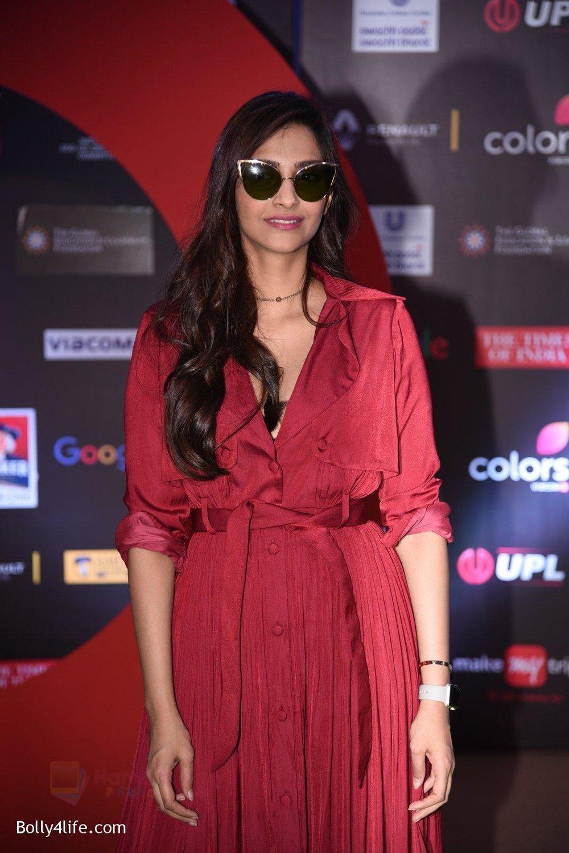Sonam-Kapoor-at-Global-Citizen-Festival-India-2016-12.jpg