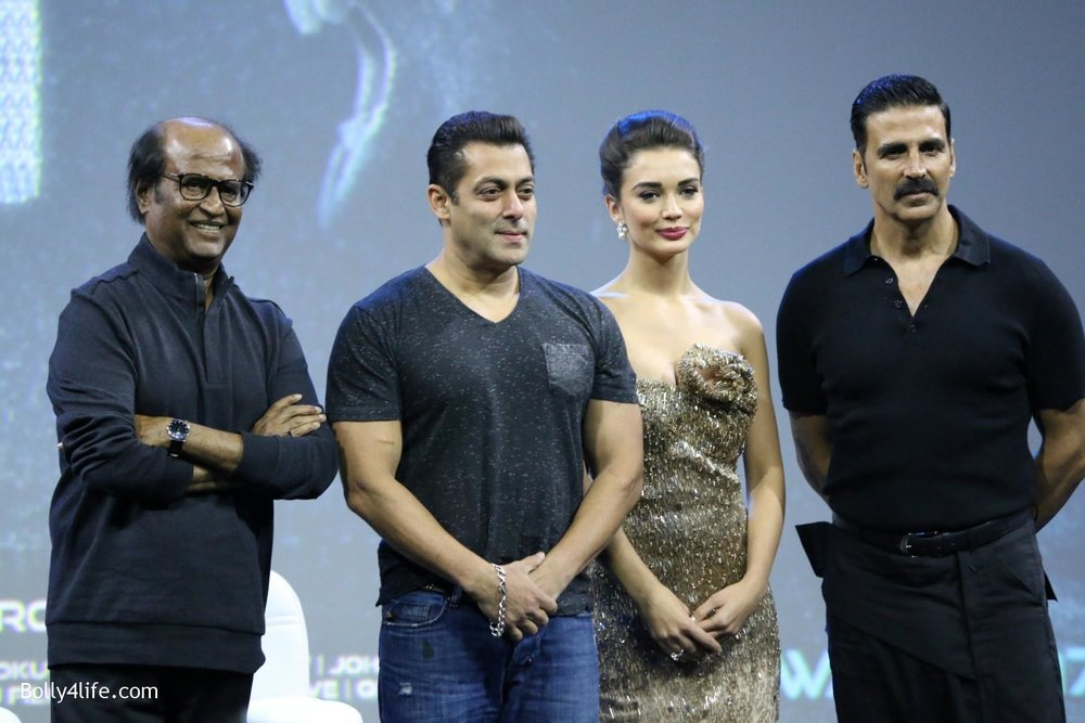 Rajinikanth-Akshay-Kumar-Salman-Khan-and-Amy-Jackson-during-the-first-look-of-film-2.0-17.jpg