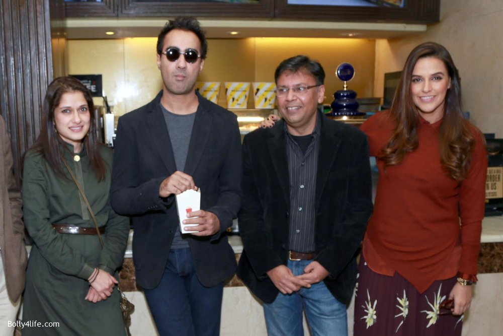 Neha-Dhupia-Ranveer-Shorey-and-director-Munish-Bhardwaj-during-a-press-conference-to-promote-film-Moh-Maya-Money-4.jpg