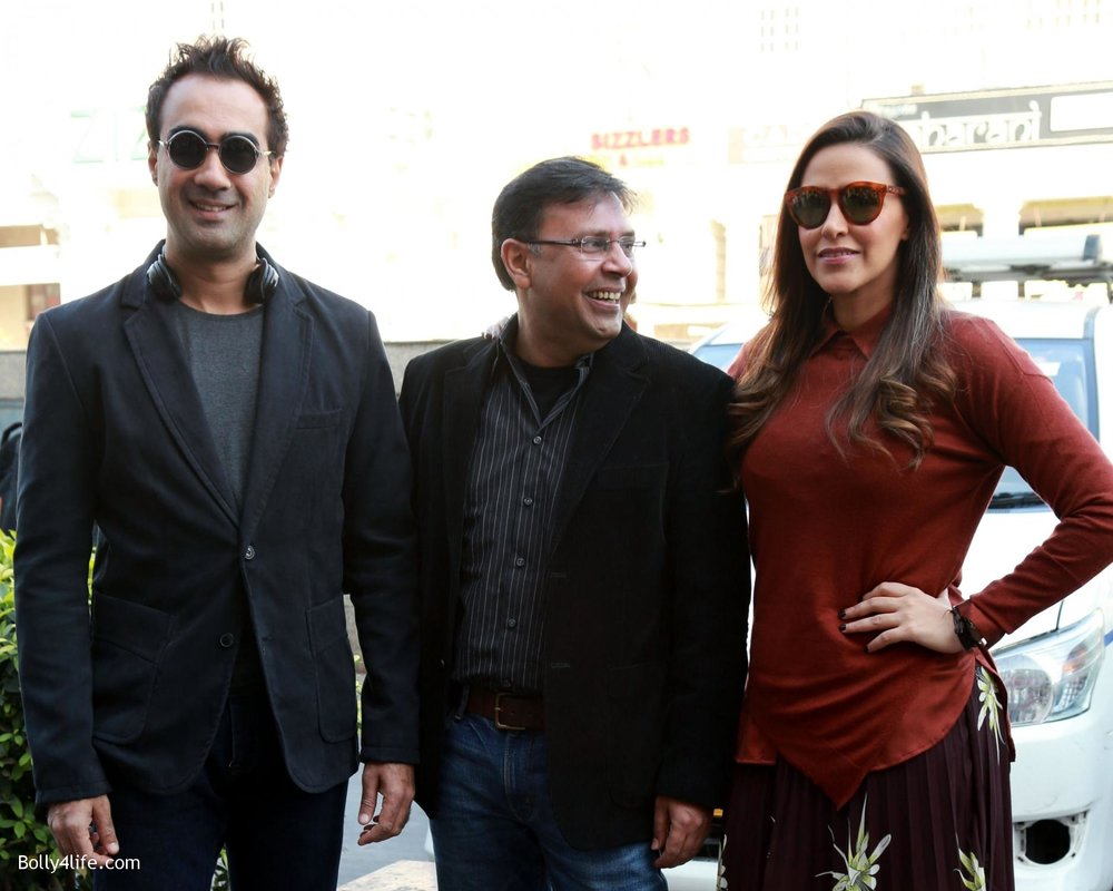 Neha-Dhupia-Ranveer-Shorey-and-director-Munish-Bhardwaj-during-a-press-conference-to-promote-film-Moh-Maya-Money-5.jpg