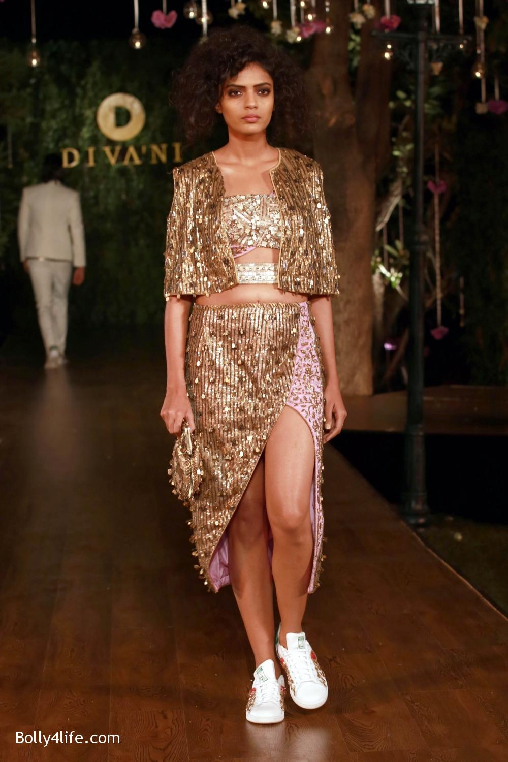Divani-Fashion-Show-Ranveer-Singh-and-Vaani-Kapoor-7.jpg
