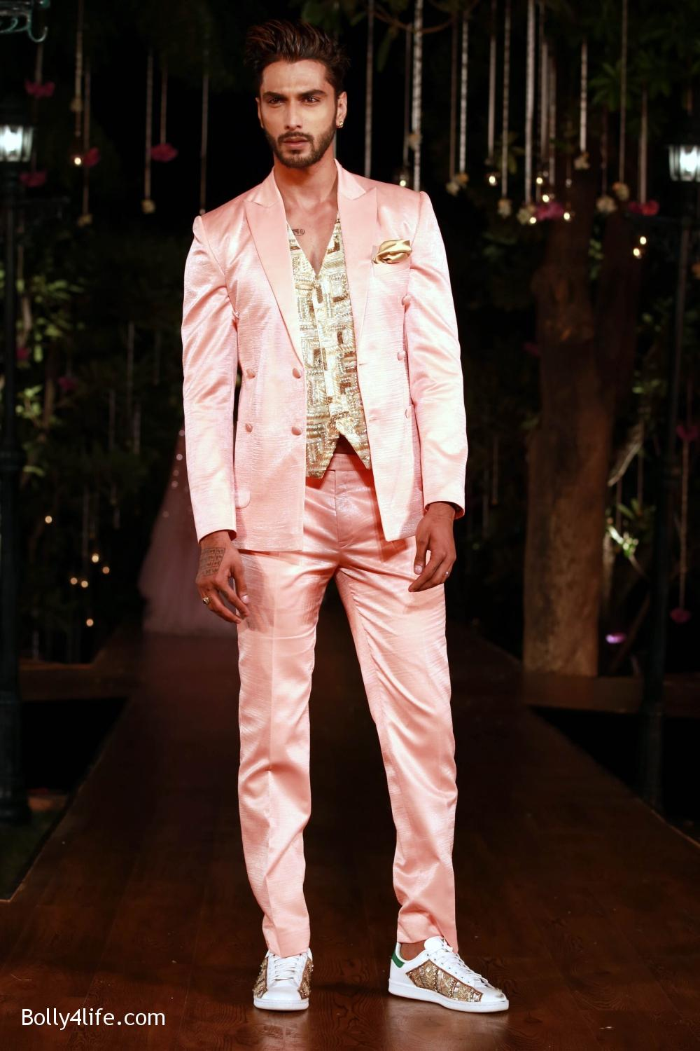 Divani-Fashion-Show-Ranveer-Singh-and-Vaani-Kapoor-16.jpg
