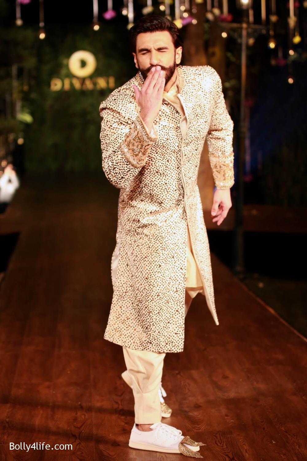 Divani-Fashion-Show-Ranveer-Singh-and-Vaani-Kapoor-17.jpg