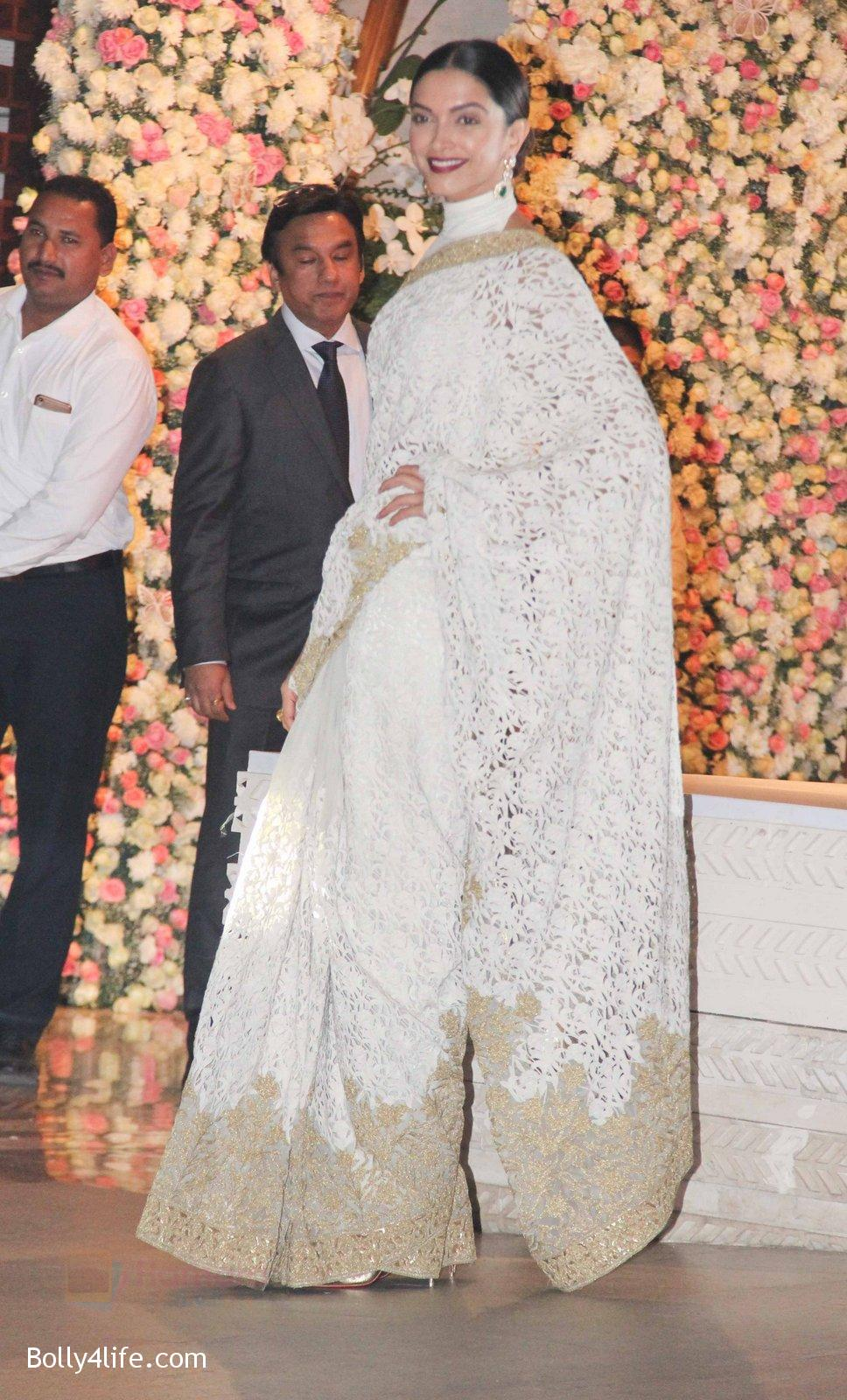 Deepika-Padukone-at-the-Ambanis-wedding-party-of-their-niece-Isheta-Salgaoncar-4.jpg